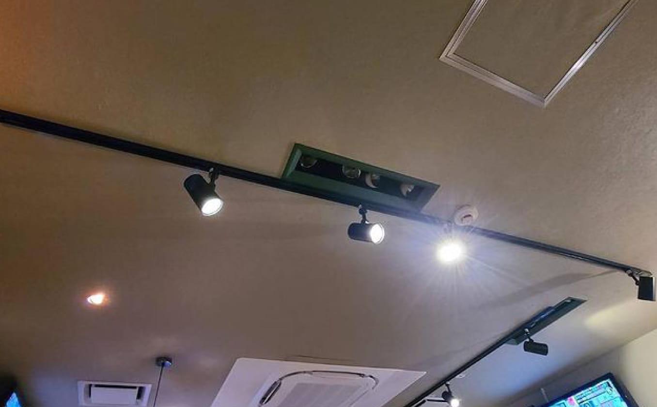スライド式間接照明工事